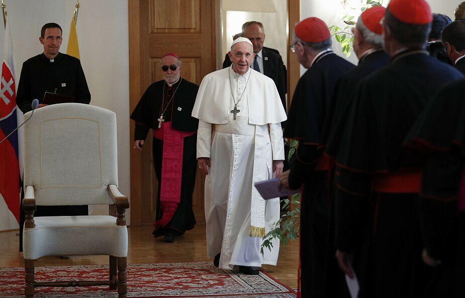 Papież do księży: Kościół nie jest fortecą ani zamkiem położonym wysoko
