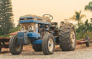 Traktor zderzył się z tico i złamał na pół