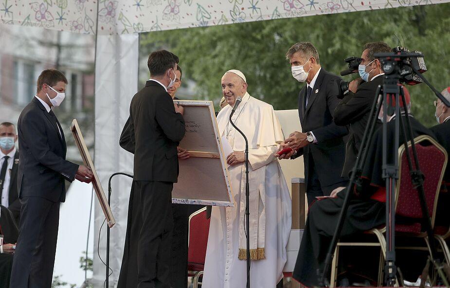 """Papież spotkał się z Romami. """"Jesteście mile widziani w Kościele"""""""
