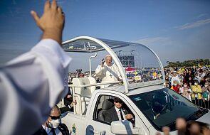 """Papież na Słowacji. """"Dziękuję wam wszystkim, noszę was w moim sercu"""""""