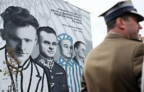 Warszawa. Mural ku czci rotmistrza Witolda Pileckiego