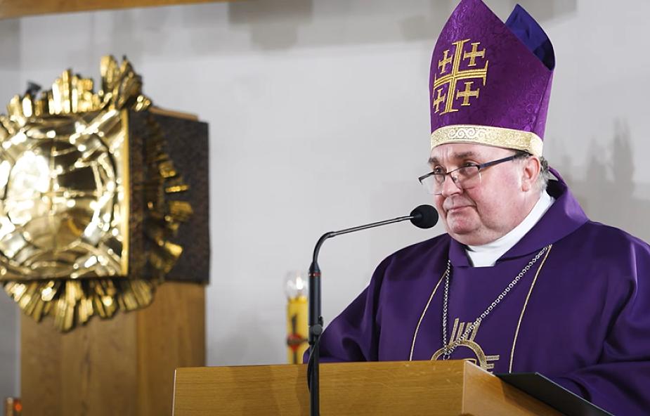 Bp Mastalski: nie można pozwolić na wypchnięcie nas z Kościoła