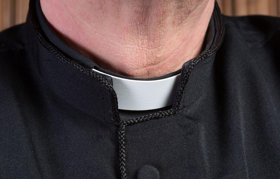 Szczecin: mężczyzna pobił księdza i znieważył krzyż
