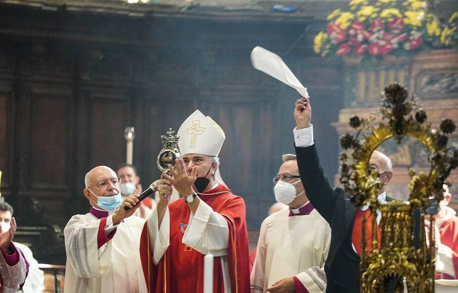 Neapol. Cud świętego Januarego powtórzył się dziś w katedrze