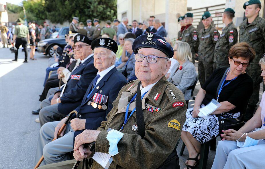 Ostatni żyjący żołnierze gen. Władysława Andersa dotarli pod Monte Cassino. Oddali hołd poległym