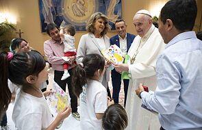 Watykan: papież spotkał się z uchodźcami z Kabulu