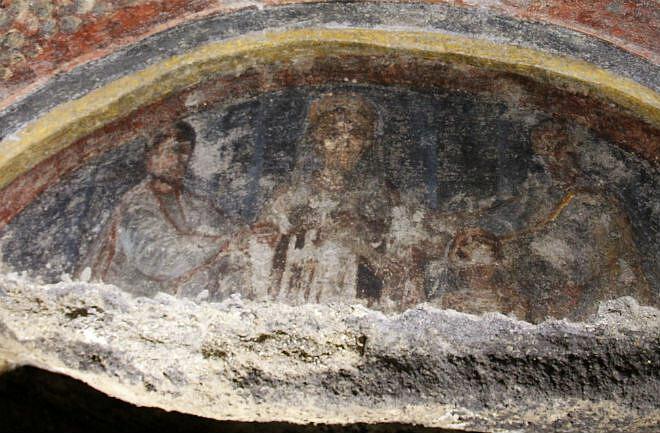 Wizerunek Chrystusa z brodą i najstarszy wizerunek św. Pawła z katakumb św. Tekli w Rzymie - Corbis Images, CC BY-SA 2.5 www.creativecommons.org, via Wikimedia Commons
