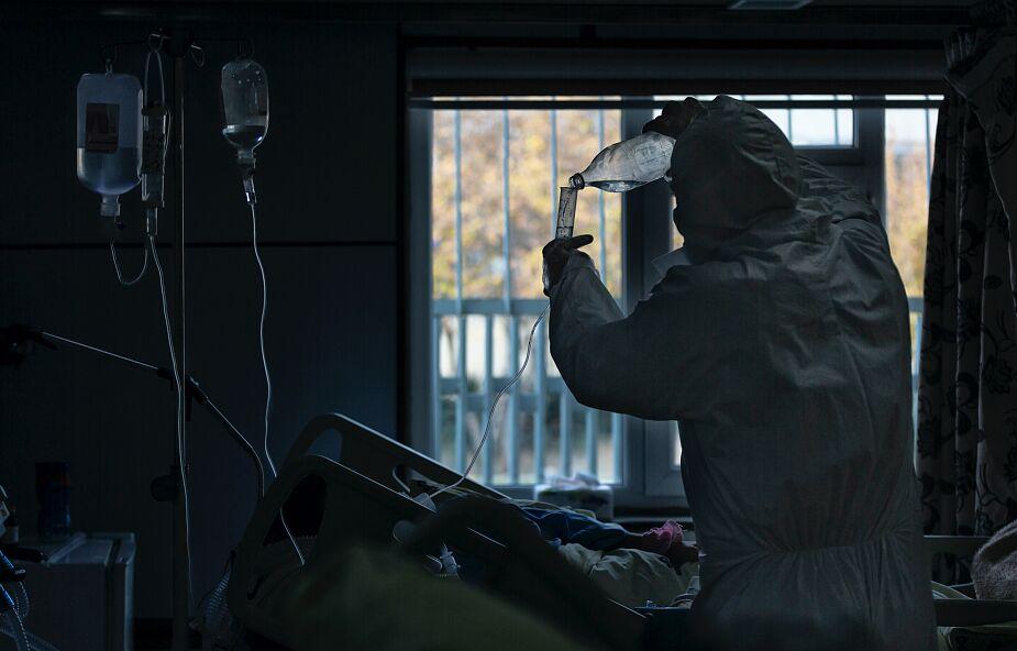 MZ: prawie 1,4 tys. chorych na COVID-19 przebywa w szpitalach