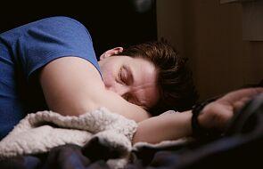 Nie masz siły wstać z łóżka? Sprawdź, jak radzić sobie z przemęczeniem