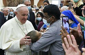 Papież:nie wolno zatrzymywać się na teorii, trzeba dotykać konkretnych problemów człowieka