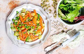 Przepis na marynowany groszek z marchewką