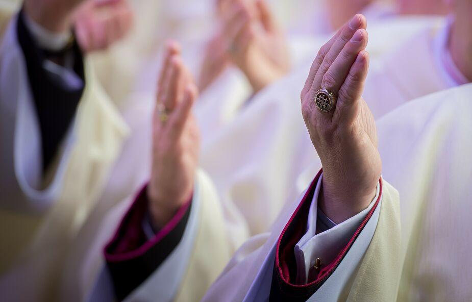Kościół nie odmieni się tylko od świętowania